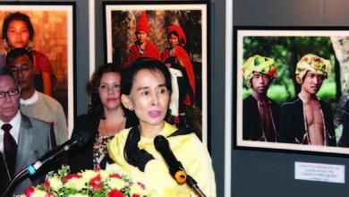 ◎欧州写真家が撮り溜めた少数民族の写真展 友人代表でスーチーさんもセレモニーに参加