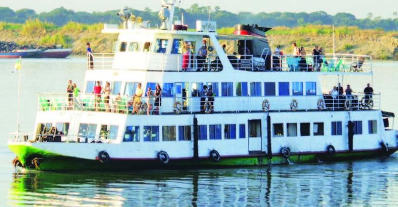 ◎発見|Discovery 素朴な自然と様々な風情が乗客を魅了する船旅。