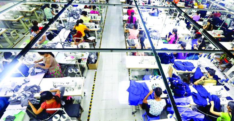 中国で縫製技術を研修するミャンマーの若者たち